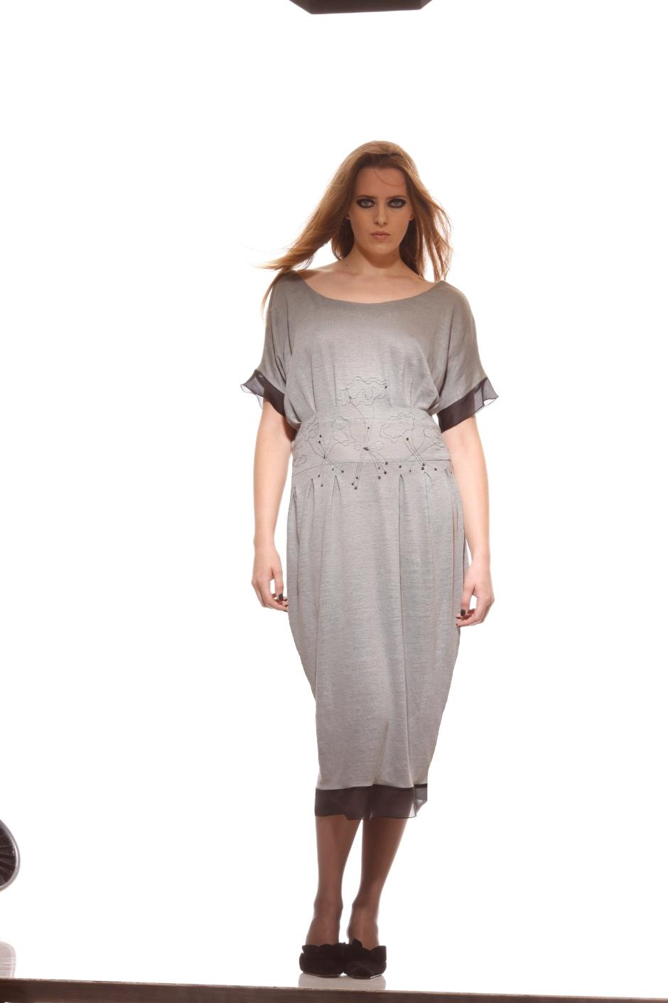mod-grey-dress