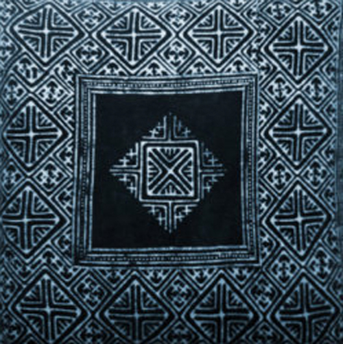 indigo-print-cushion